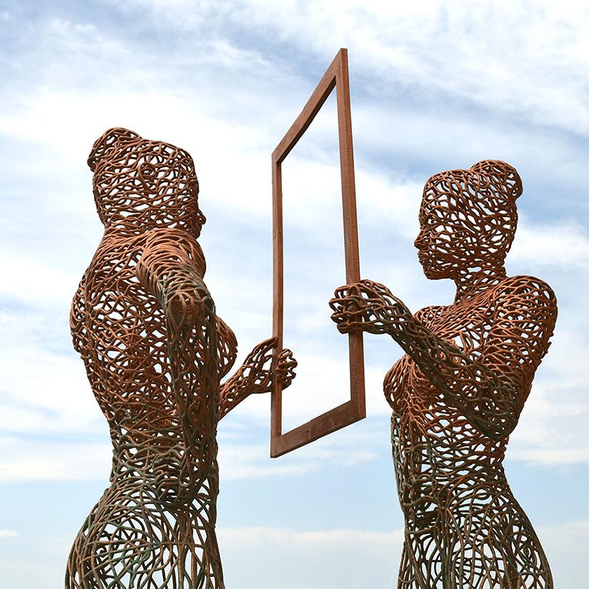 Bonzanos A.G., Se ti guardo, mi riconosco, Duraform SLS wire sculpture, made with 3D printer, 185x45x50x40 cm, 2016.